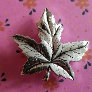 Vintage maple leaf brooch silver tone metal France